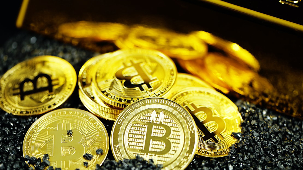 Institutional investors favor bitcoin over gold as hedge against inflation